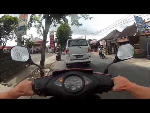 How to drive in Bali