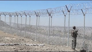 Pakistan Starts Building Fence along Border with Afghanistan