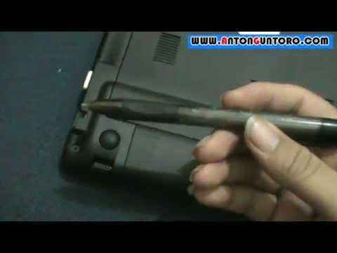 Cara membuka baterai acer aspire one