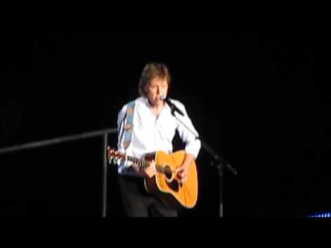 Black bird Paul McCartney live in Philly, june 21 2015