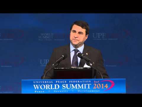 Dr.  Luis Federico Franco Gómez (in Spanish) - World Summit 2014