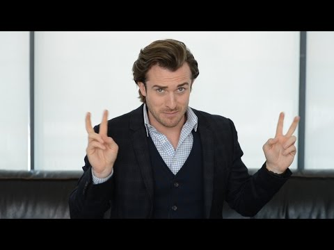 Are Men REALLY Turned Off By Intelligent Women?? THE TRUTH! (Matthew Hussey, Get The Guy)
