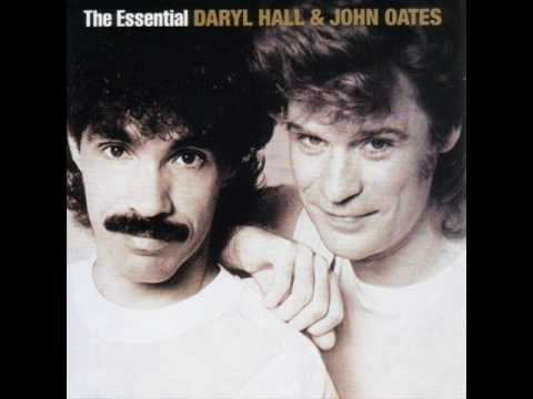 Daryl Hall & John Oates - Maneater (Lyrics)