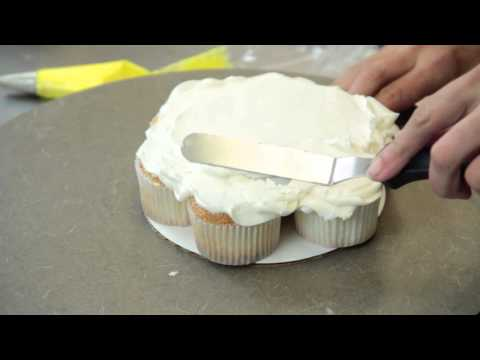 How to Make a Pull-Apart Cupcake Cake : Cake Recipes