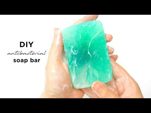 DIY Men's Antibacterial Sports Soap Bar   Melt & Pour Soap Recipe