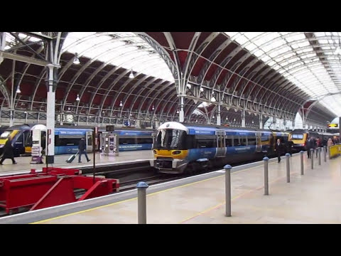 London - Tour on Paddington Station