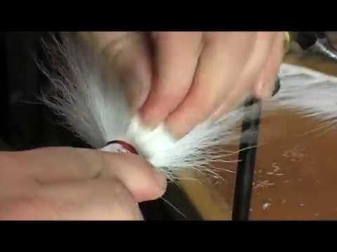 How to TIE a Bucktail Jig for Striped Bass and Fluke / Flounder