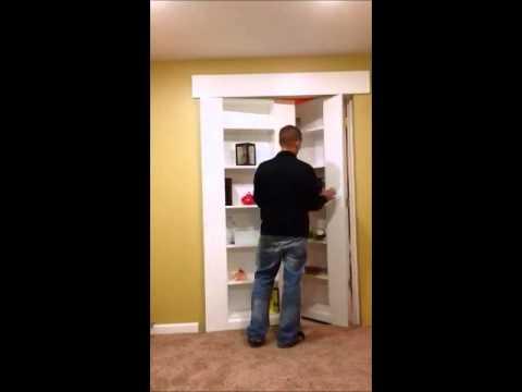 Hidden Basement Door (Bookshelf)