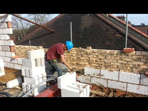 How to lay breeze blocks