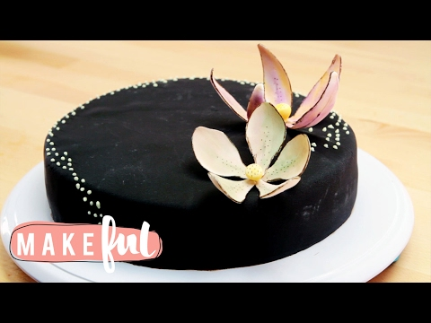 How To Make Edible Flowers | Cake Basics