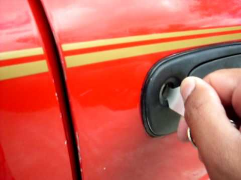 Car door lock picking (subaru impreza)