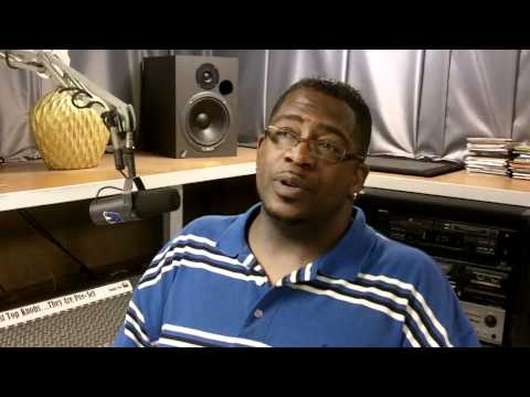 how to get your music on radio - dj thump - behind the scenes at the radio station