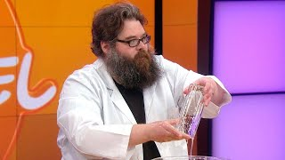 """Watch Kevin Delaney From """"Street Science"""" Magically Put a Broken Glass Vase Back Together"""