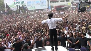 Shahrukh using Benz As Stage At Cochin Emmanuel Silks Inauguration