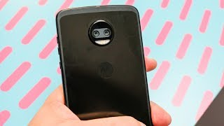 Moto Z2 Force first look