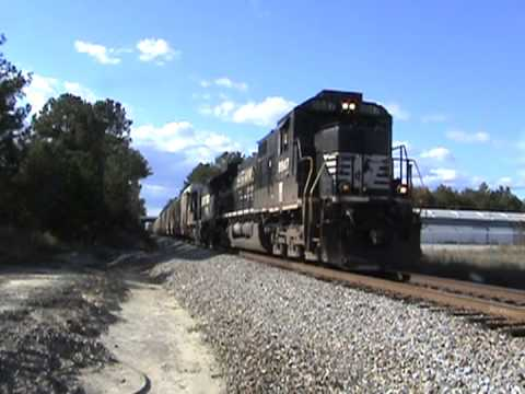 Chasing the Peanut Special, Columbia Railfaning, and Charlotte Jct.