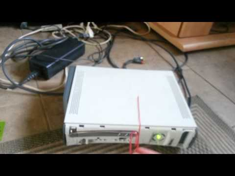 How to fix xbox 360 (tray won't open)