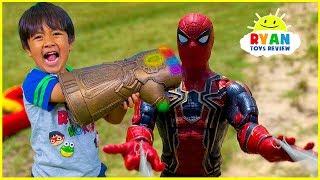 Marvel Avengers Superhero Toys Helps Ryan take back the Gauntlet from Thanos!!!!