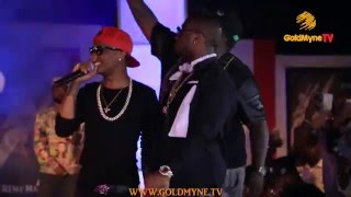 WATCH: WIZKID AND DAVIDO PERFORM TOGETHER ON STAGE AT