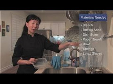Cookware : How to Clean the Smell From Plastic Food Containers
