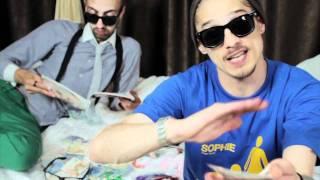 Download Maximilian - Sophie (feat MefX) (videoclip)