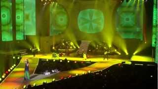 Download LAURA PAUSINI MEDLEY NEW YEAR'S EVE
