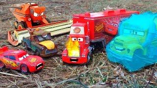 Disney Cars Lightning McQueen & Mater TRACTOR TIPPING Frank, Mack Hauler Crash Starts Fire Tall Tale