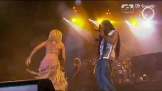 SHAKIRA SEXIEST PERFORMANCE EVER !! MAJOR CLEAVAGE !! SHE