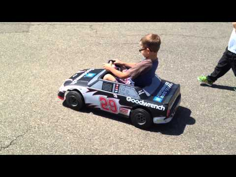 NASCAR #29 Kids Ride On 12v GM Goodwrench Eliminator