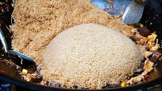 Thai Food - GIANT FRIED CHICKEN INSTANT RAMEN Aoywaan Bangkok Thailand
