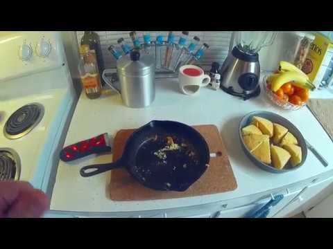 Easy Corn Bread in a cast iron frying pan