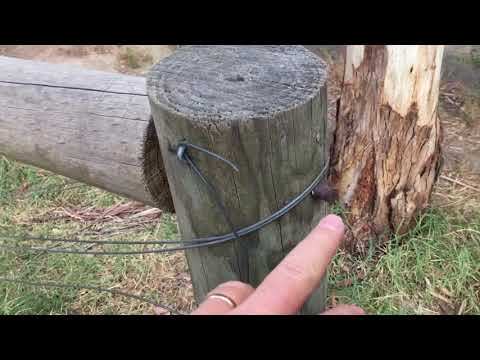 Invisible fittings, Top rail on Fence. How do they do it? Suspend timber with no visible bolts