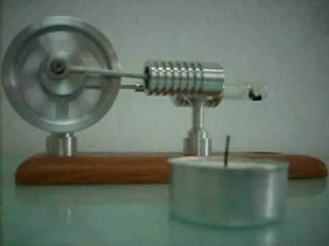 Stirlingmotor Heissluftmotor +Stirling motor hot air engine running on a small candle