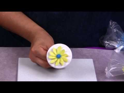 How to make a Daisy Cake Decoration