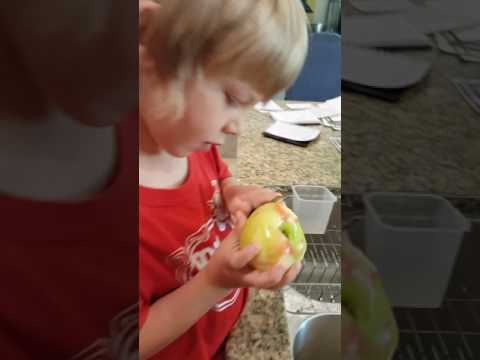 How to peel apples for Apple pie