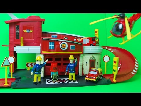 New 2016 Feuerwehrmann Fireman Sam Jupiter Fire Engine leads the rescue vehicle parade