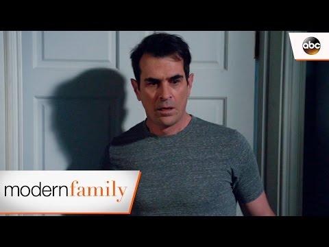 A Girl in Luke's Bed? - Modern Family