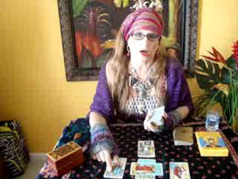 Easy Tarot lesson 1-LEARN the BASICS of psychic reading-Rider Waite deck ??? ABOUT ♥LOVE
