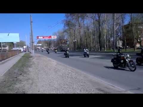 Открытие мотосезона 2014 в Перми, колонна на шоссе Космонавтов