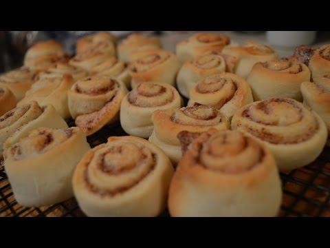 How to Make Mini Cinnamon Rolls