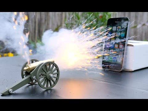 Mini Cannon vs iPhone SE - Happy 4th of July!