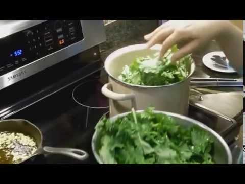Pasta con Aglio Olio e Broccoli Rapini( Pasta with Garlic, Olive Oil and Broccoli Rabe)