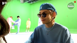 [BANGTAN BOMB] Help V Choose a Pair of Sunglasses - BTS (방탄소년단)