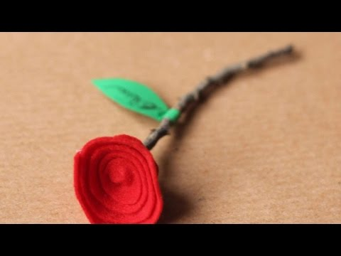 How To Make A Flower Place Card - DIY Crafts Tutorial - Guidecentral
