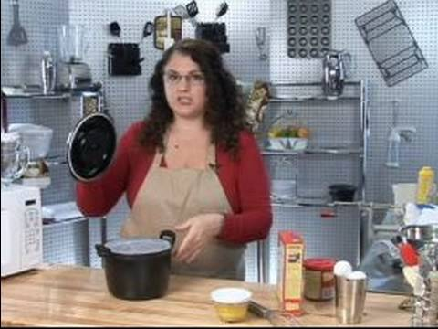 How to Use Kitchen Appliances : How to Use Microwave Rice Cookers