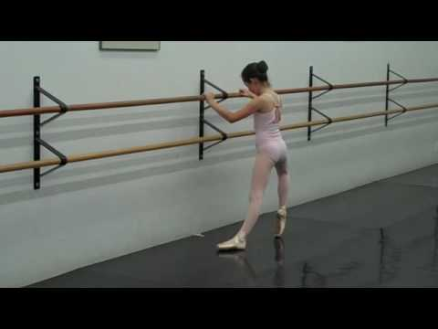 Robbie (age 10) 1st time (7 min) on pointe shoes BALLET June 2009