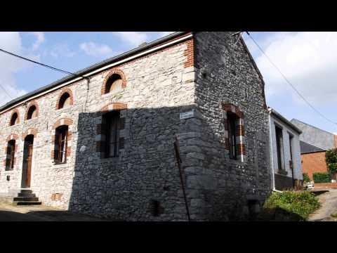 Erquelinnes  -  Ferme de l'ancien château et abords