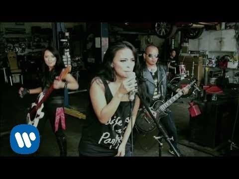 KOTAK - Menembus Cahaya (Official Music Video)