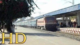 FAST AND FURIOUS SANTRAGACHI WAP-4 WITH 12809 MUMBAI - HOWRAH MAIL VIA NAGPUR
