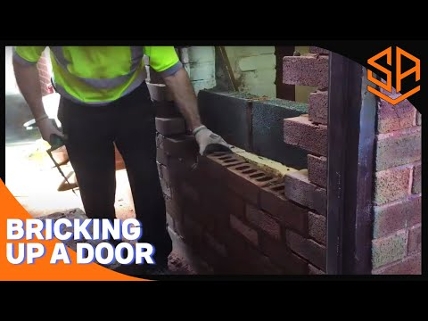 Bricklaying with Steve and Alex BRICKING UP A DOORWAY